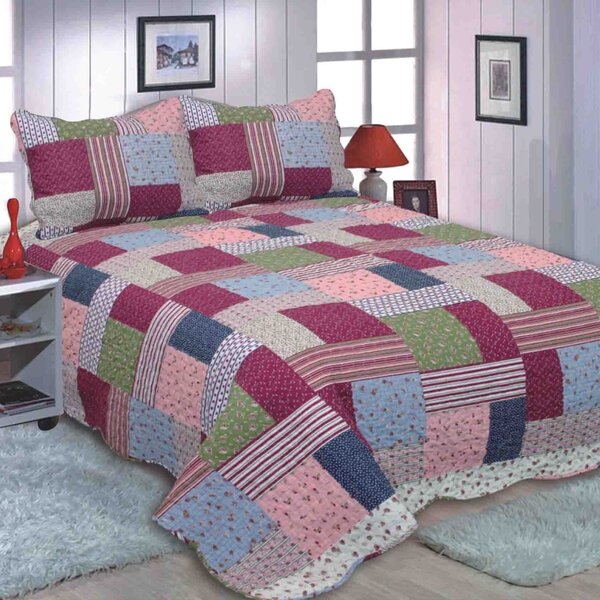 English Roses Quilt Set by JCP Hometex Inc.