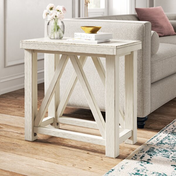 Review Chicoree End Table