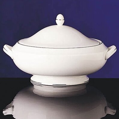 Signet Platinum 48 oz. Covered Vegetable Dish