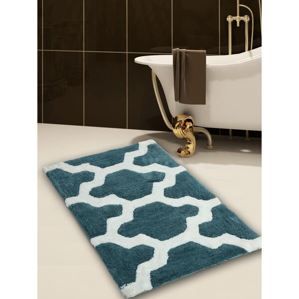 Kutz Quatrefoil Pattern Bath Rug by Alcott Hill