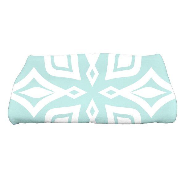 Boubacar Beach Star Geometric Print Bath Towel by Highland Dunes