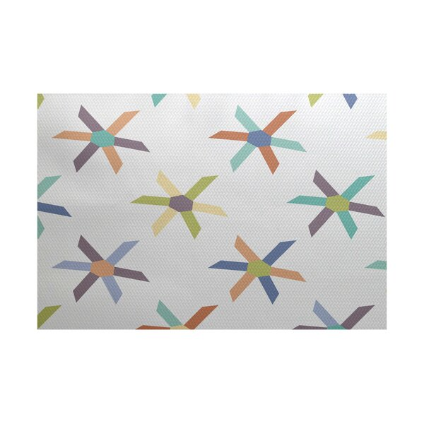 Boubacar Pinwheel Indoor/Outdoor Area Rug by Highland Dunes