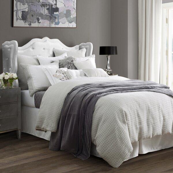 Anastazia Comforter Set