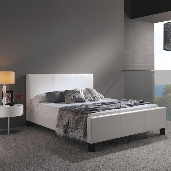 Courtney Upholstered Platform Bed by Alcott Hill