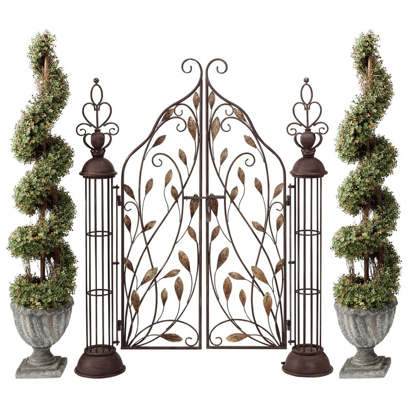 The Princessu0027 Entryway Metal Garden Gate