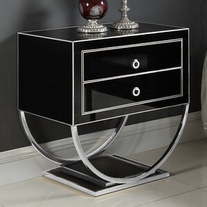Le Side Table by Everly Quinn