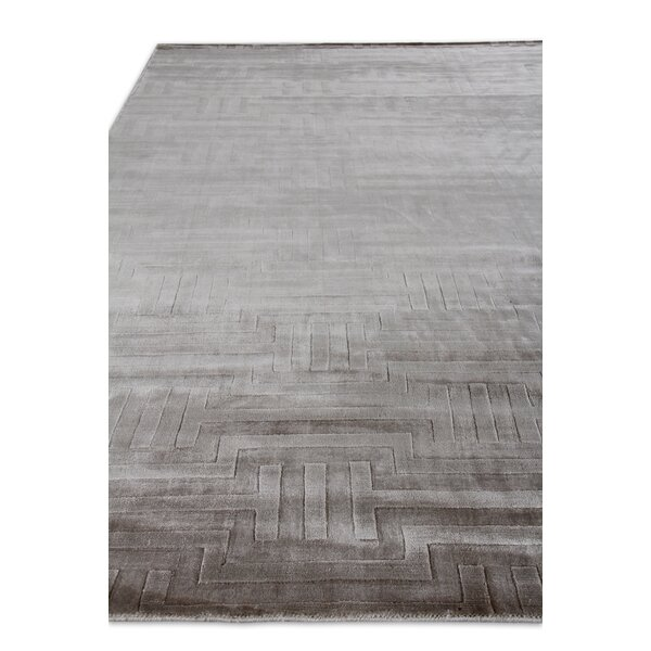 Smooch Carved Hand-Woven Gray Area Rug by Exquisite Rugs