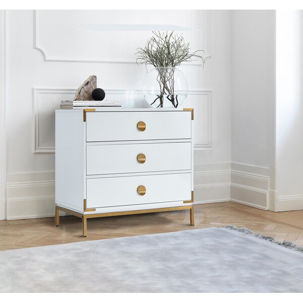 Rohrer 3 Drawer Bachelors Chest by Everly Quinn