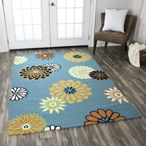 Evangeline Hand-Tufted Green Indoor/Outdoor Area Rug by Ebern Designs