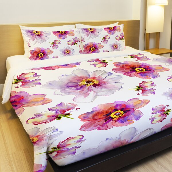 Daisy Days Lightweight Duvet Cover by One Bella Casa