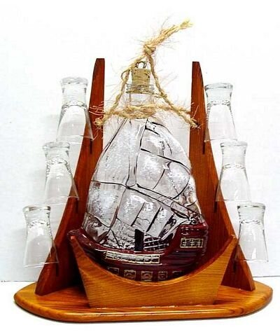 Carafe 7 Piece Sail and Shot Glass Set by Womar Glass