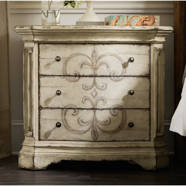 Auberose 3 Drawer Bachelors Chest by Hooker Furniture