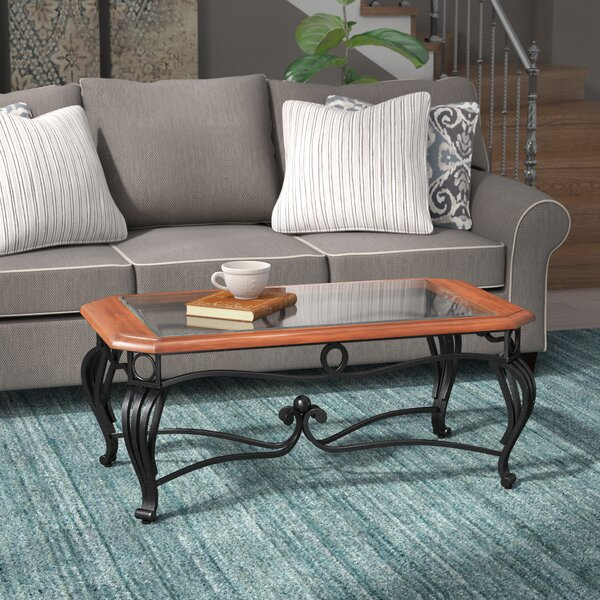 Review Jeannette Coffee Table