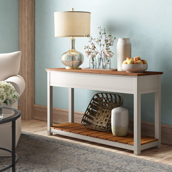 Review Gilmore Console Table
