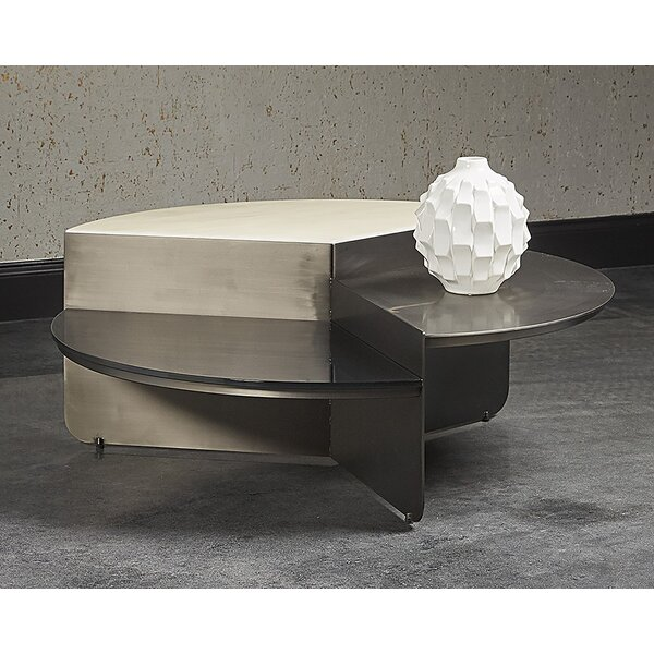 Review Larchmont Coffee Table