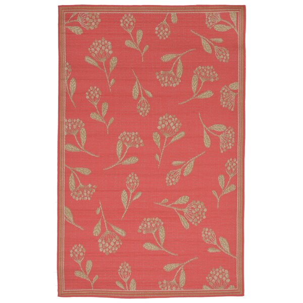 Hunley Summer Flower Red/Gold Indoor/Outdoor Area Rug by Highland Dunes
