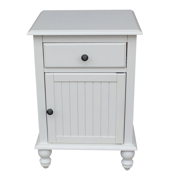 Dania Nightstand by Rosecliff Heights