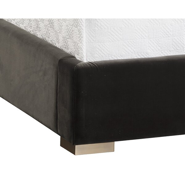 Aranda Upholstered Sleigh Bed by Everly Quinn