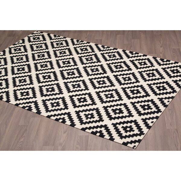 Lombardi Kilim Reversible Hand Woven Wool Black/Ivory Area Rug by Brayden Studio
