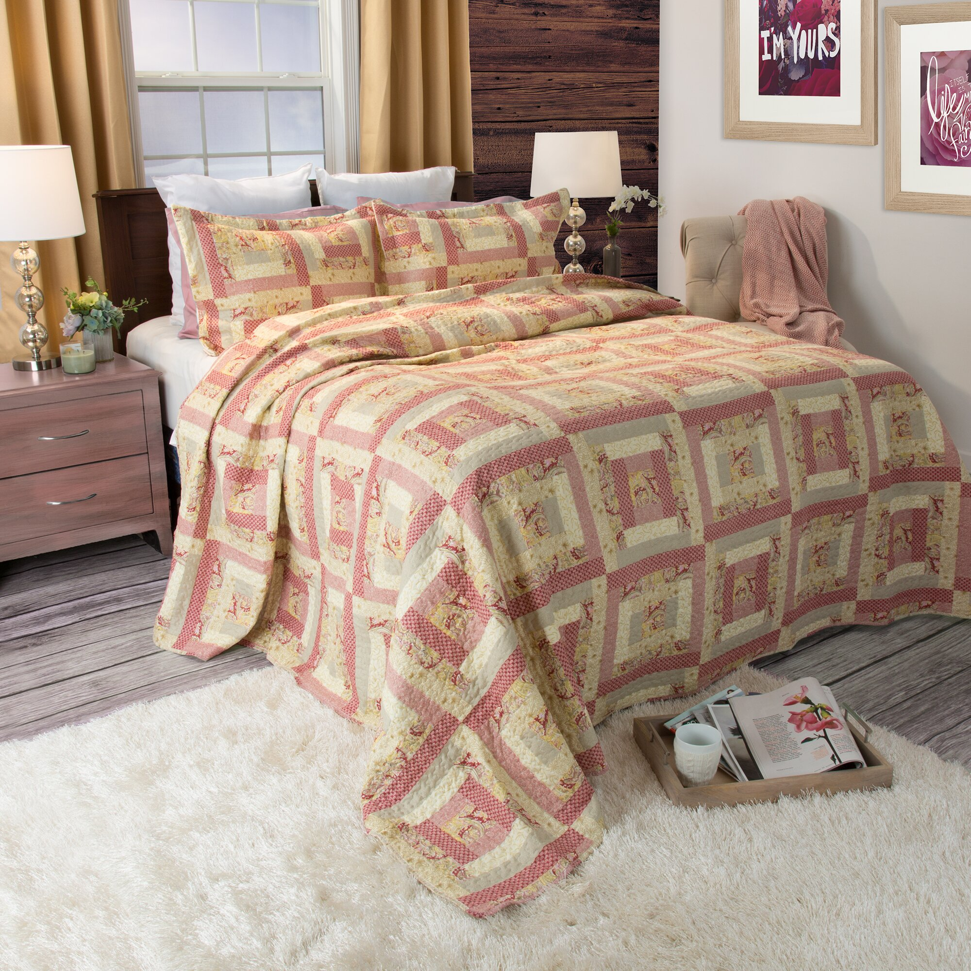 Bed sheet set with quilt - Melissa Quilt Set
