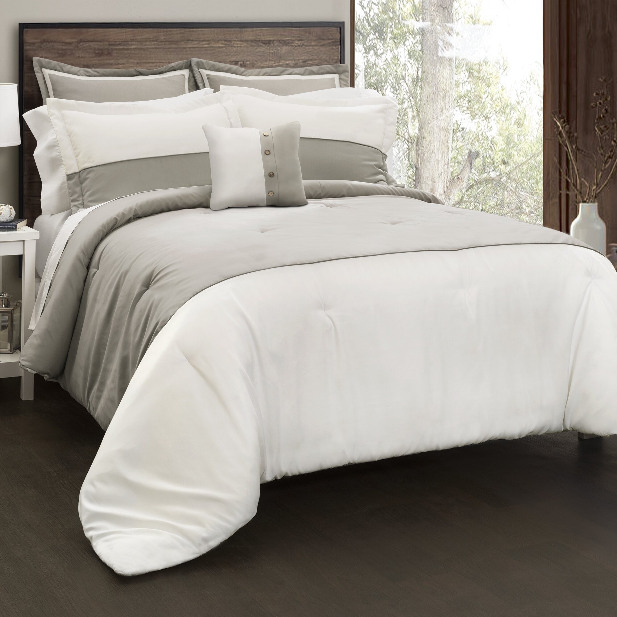 Laurel Foundry Modern Farmhouse Austin 6 Piece Comforter