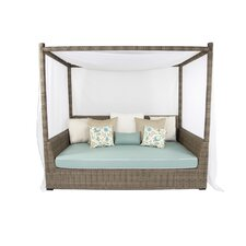 Palisades Viceroy Day Bed with Cushions