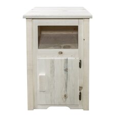 Abella Traditional End Table by Loon Peak