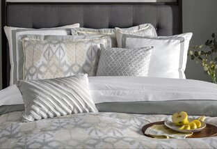 Bedding up to 75% Off