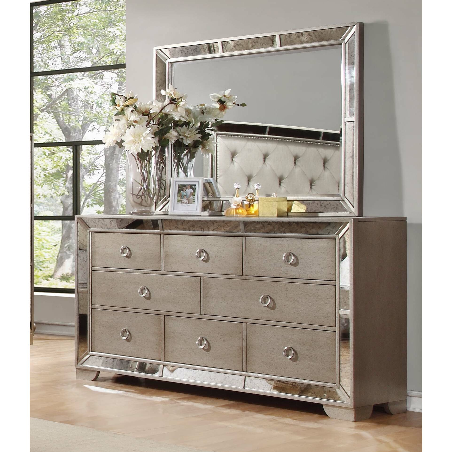 House Of Hampton Chesmore Panel Customizable Bedroom Set